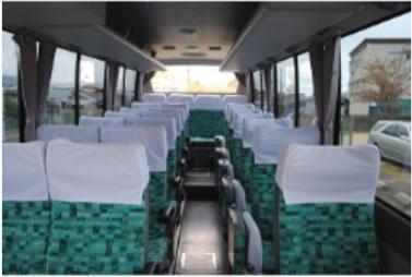小型バス車内